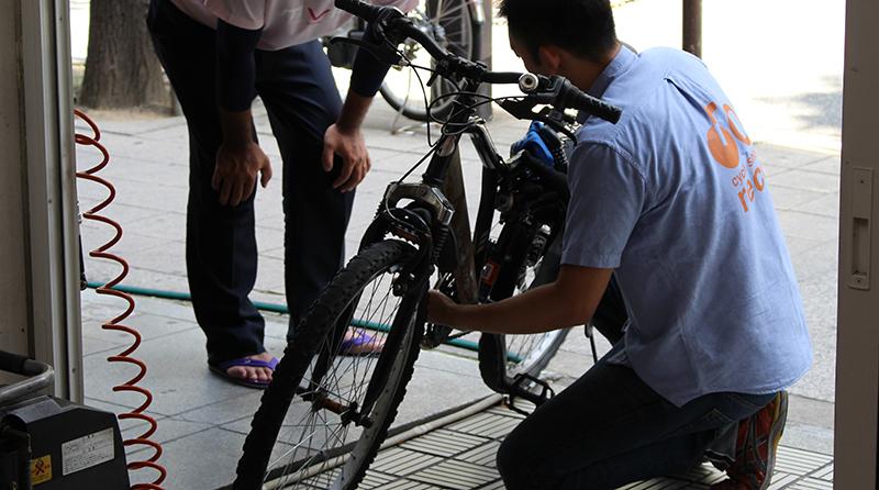 自転車の空気入れ無料